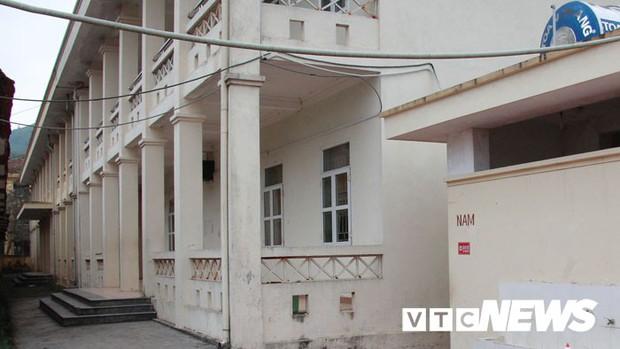 Cận cảnh ngôi trường gần 600 học sinh ở Quảng Ninh đồng loạt bỏ học do phải chuyển nơi khác - Ảnh 3.