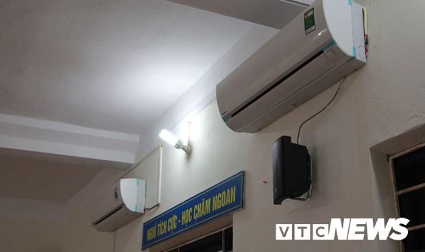 Cận cảnh ngôi trường gần 600 học sinh ở Quảng Ninh đồng loạt bỏ học do phải chuyển nơi khác - Ảnh 9.