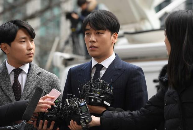 SBS tung đoạn hội thoại Seungri khoe ảnh khỏa thân của nạn nhân nữ vào chatroom: Thái độ của y mới gây sốc! - Ảnh 4.