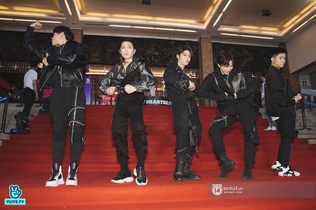Super Junior gây choáng ngợp, Lee Hyori thế hệ mới khoe body sexy bên Vũ Cát Tường và dàn sao Việt trên thảm đỏ - Ảnh 19.