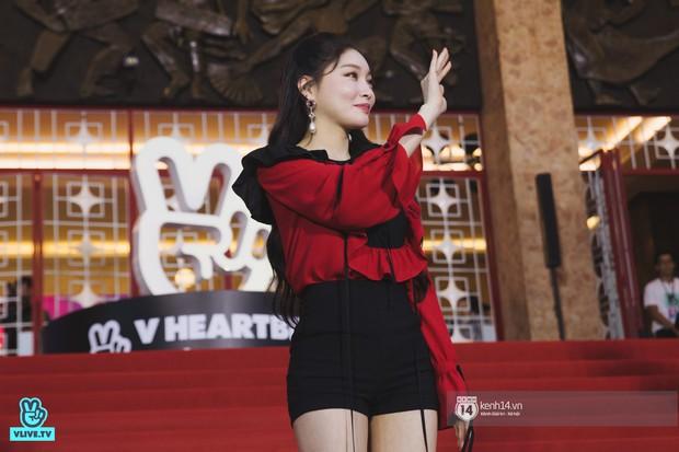 Super Junior gây choáng ngợp, Lee Hyori thế hệ mới khoe body sexy bên Vũ Cát Tường và dàn sao Việt trên thảm đỏ - Ảnh 12.