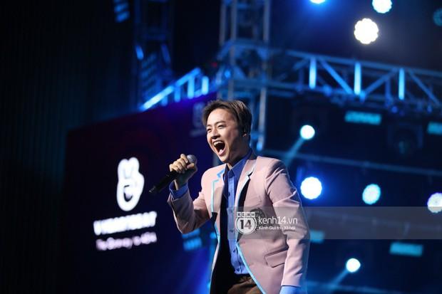 Super Junior khiến khán giả vỡ oà, Chungha gợi cảm hết cỡ bên dàn sao Vpop tại show Hàn - Việt - Ảnh 25.
