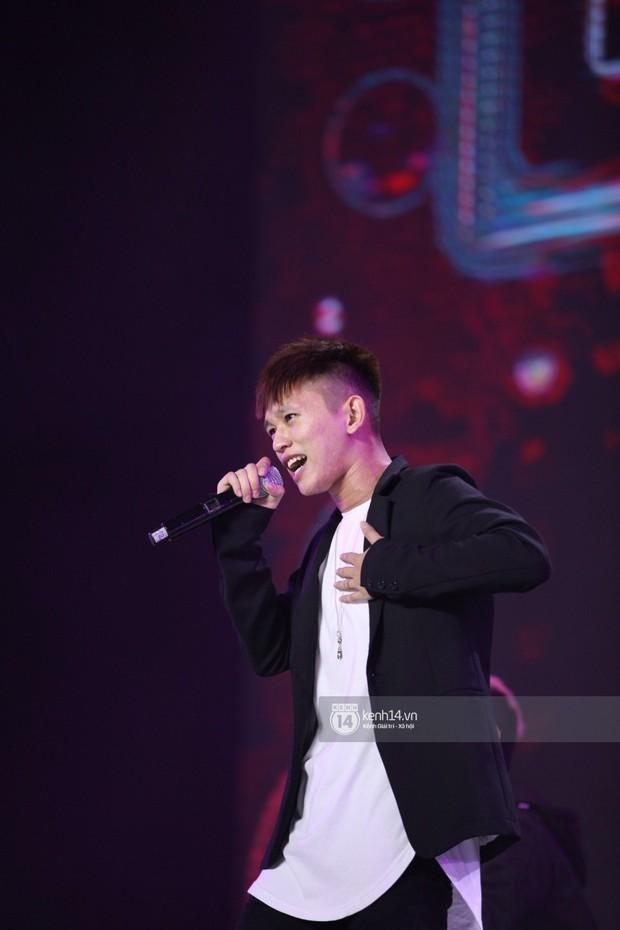 Super Junior khiến khán giả vỡ oà, Chungha gợi cảm hết cỡ bên dàn sao Vpop tại show Hàn - Việt - Ảnh 21.
