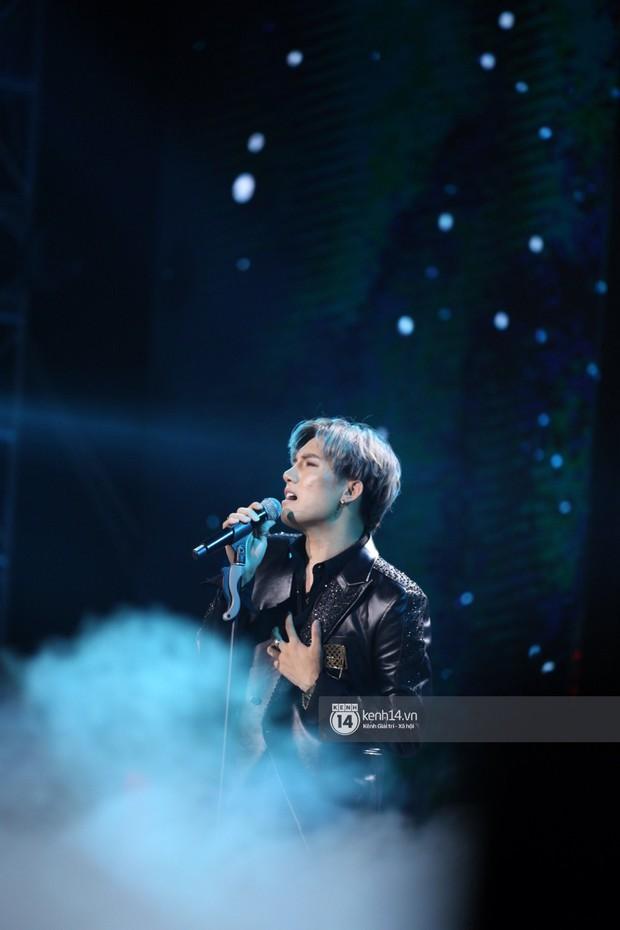 Super Junior khiến khán giả vỡ oà, Chungha gợi cảm hết cỡ bên dàn sao Vpop tại show Hàn - Việt - Ảnh 20.