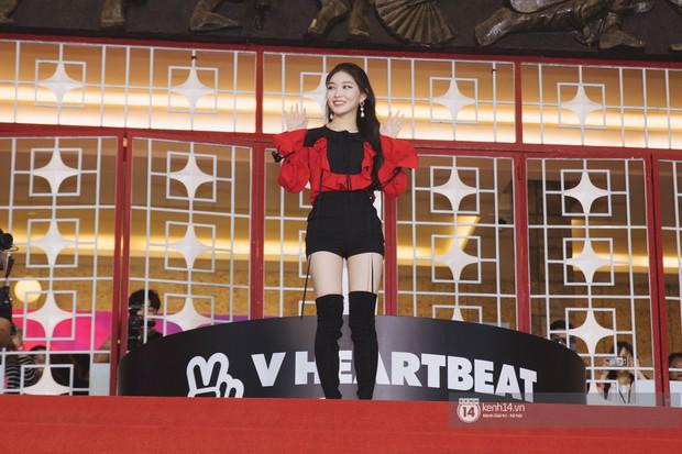 Super Junior gây choáng ngợp, Lee Hyori thế hệ mới khoe body sexy bên Vũ Cát Tường và dàn sao Việt trên thảm đỏ - Ảnh 9.