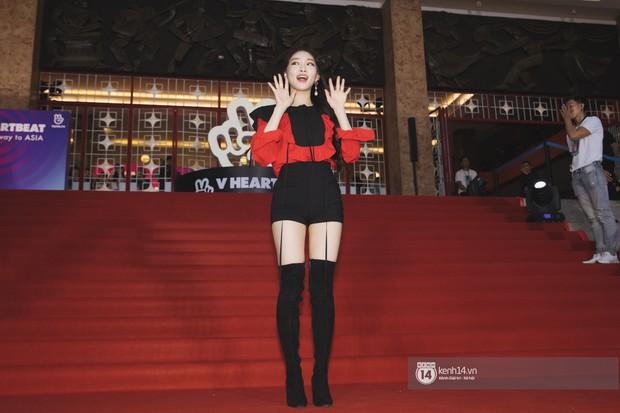 Super Junior gây choáng ngợp, Lee Hyori thế hệ mới khoe body sexy bên Vũ Cát Tường và dàn sao Việt trên thảm đỏ - Ảnh 11.