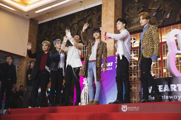 Super Junior gây choáng ngợp, Lee Hyori thế hệ mới khoe body sexy bên Vũ Cát Tường và dàn sao Việt trên thảm đỏ - Ảnh 4.