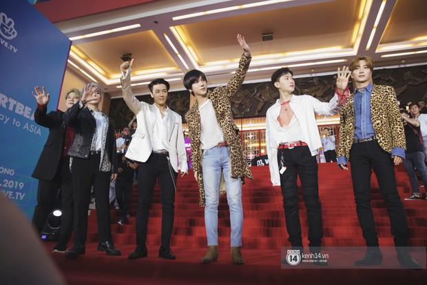 Super Junior gây choáng ngợp, Lee Hyori thế hệ mới khoe body sexy bên Vũ Cát Tường và dàn sao Việt trên thảm đỏ - Ảnh 5.