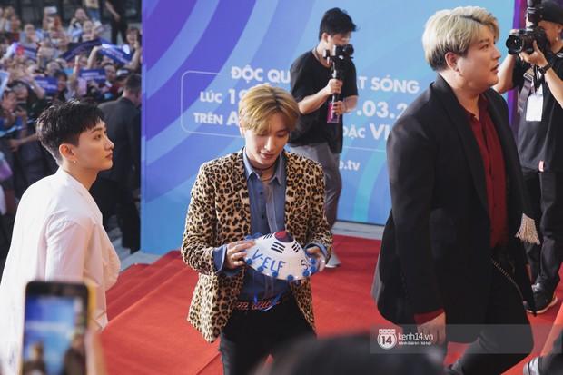 Super Junior gây choáng ngợp, Lee Hyori thế hệ mới khoe body sexy bên Vũ Cát Tường và dàn sao Việt trên thảm đỏ - Ảnh 2.
