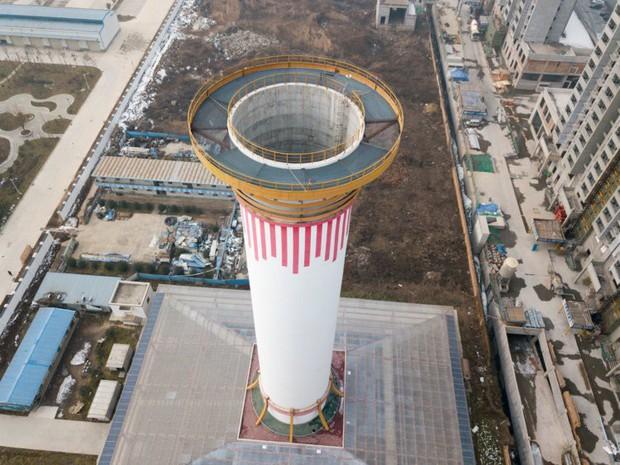 Tháp lọc không khí lớn nhất thế giới tại Trung Quốc: Thanh tẩy 10 triệu m3 khí/ngày, phạm vi rộng 10km2 - Ảnh 1.