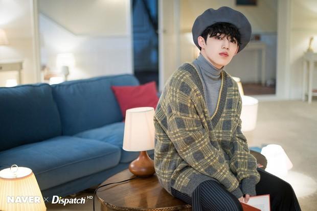 Xuất hiện thêm một item quốc dân: cùng 1 chiếc áo len nhưng tới 6 nam idol cùng mặc - Ảnh 3.
