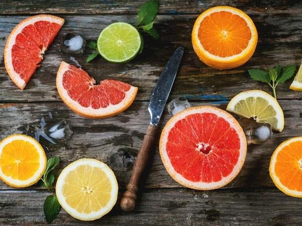 Chẳng lo lão hóa sớm nếu bạn cứ duy trì các thói quen ăn uống này mỗi ngày - Ảnh 2.