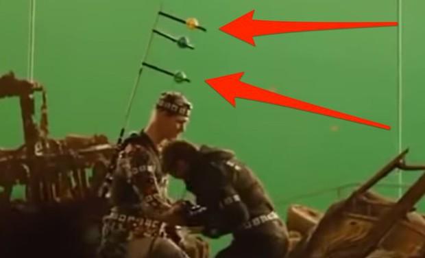 Hậu trường vũ trụ điện ảnh Marvel: Hulk giống thú nhồi hàng trả về, siêu anh hùng cũng phải makeup! - Ảnh 10.