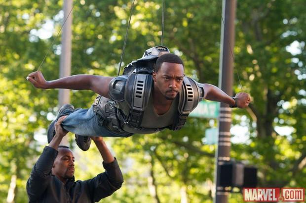 Hậu trường vũ trụ điện ảnh Marvel: Hulk giống thú nhồi hàng trả về, siêu anh hùng cũng phải makeup! - Ảnh 3.