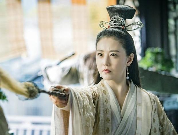 Vừa xem phim Tân Ỷ Thiên Đồ Long Ký 2019 vừa xuýt xoa vì từ lão bà đến nữ nhi đều là mỹ nhân! - Ảnh 2.