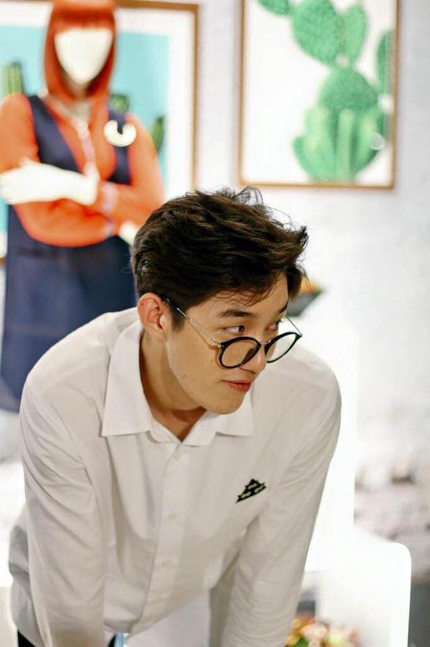 Profile anh chàng đóng cảnh nóng đến sập giường Tor Thanapob: Cỗ máy đa năng của showbiz Thái - Ảnh 2.
