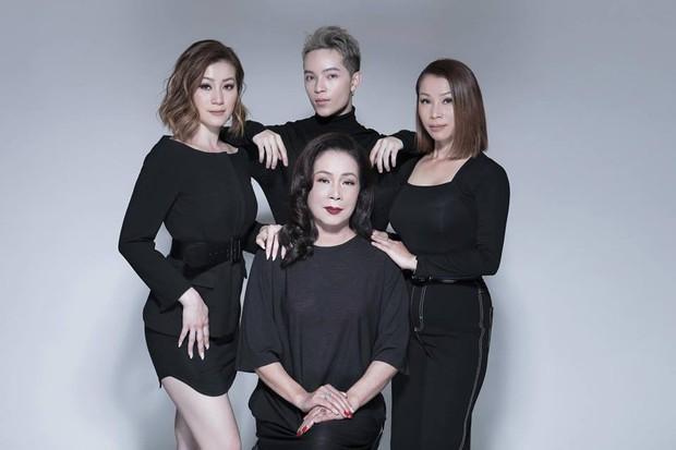 Gia đình ai cũng đẹp của Kelbin Lei: Mẹ U60 phối đồ xịn sò, hai chị gái dẫn đầu trong khoản hack tuổi - Ảnh 5.