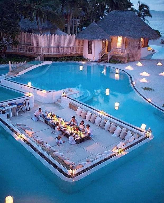 Choáng với khu nghỉ dưỡng sang chảnh bậc nhất Maldives, chỉ dành cho giới giàu đến siêu giàu - Ảnh 2.