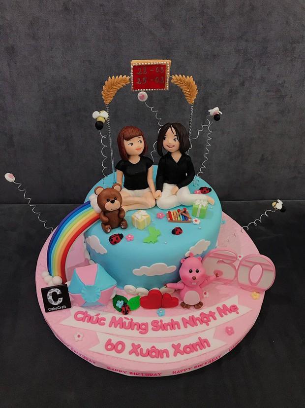 Vợ chồng Khởi My - Kelvin Khánh cùng hội bạn thân tổ chức sinh nhật tròn 60 cho má Năm - Ảnh 6.
