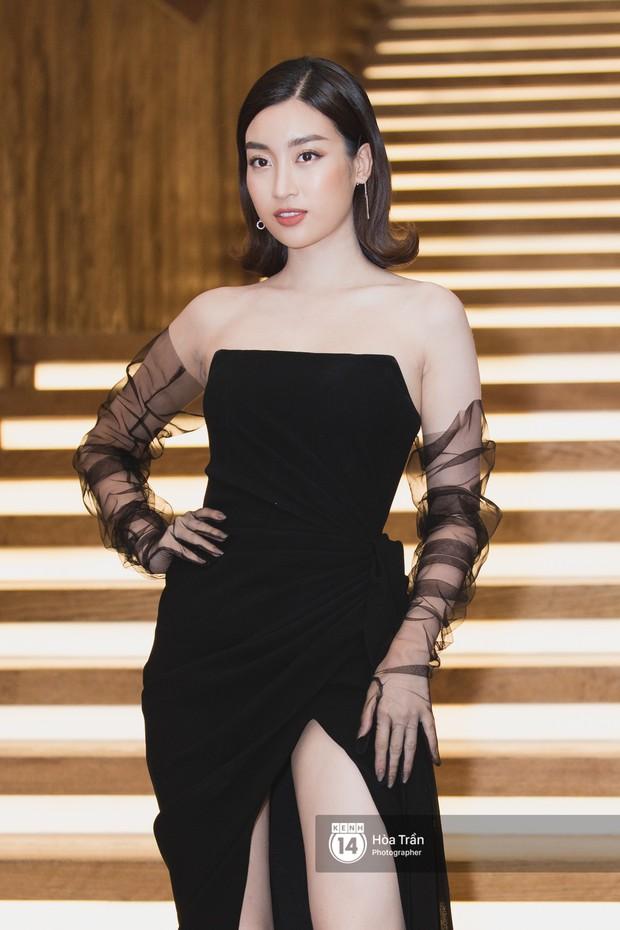 Giữa một dàn mỹ nhân giật giũ như Hari và Jun Vũ, Hoa hậu Đặng Thu Thảo giản dị mà vẫn trội bật - Ảnh 3.