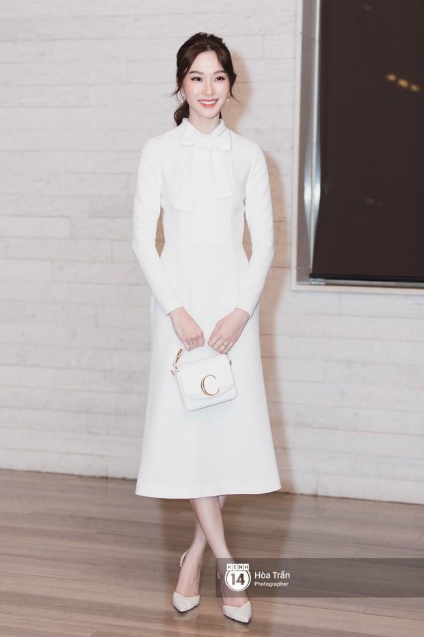 Giữa một dàn mỹ nhân giật giũ như Hari và Jun Vũ, Hoa hậu Đặng Thu Thảo giản dị mà vẫn trội bật - Ảnh 2.