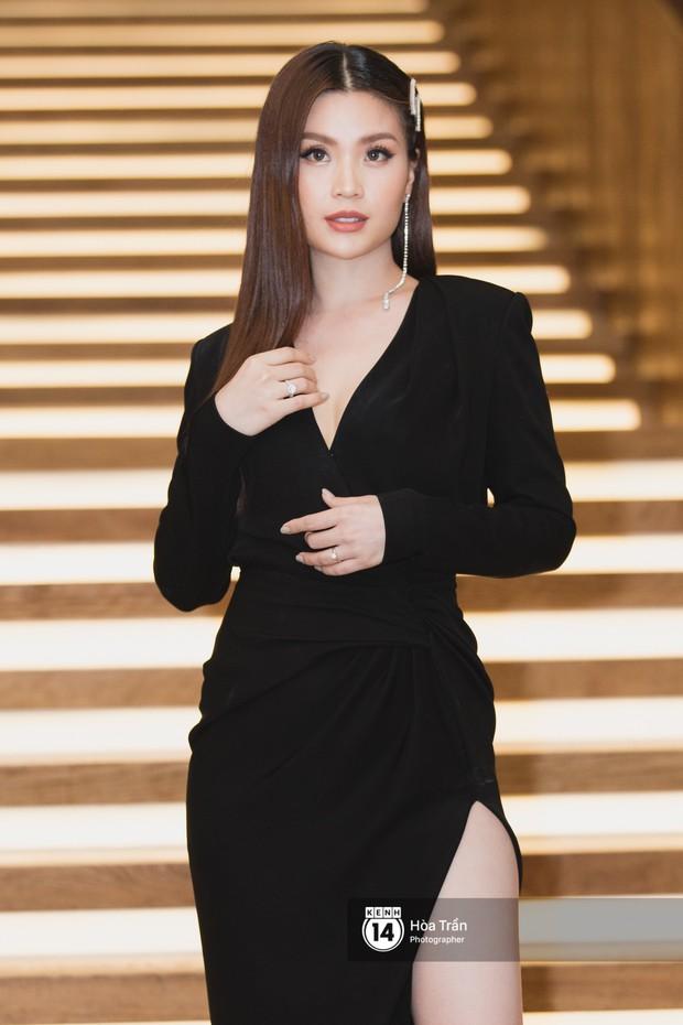 Giữa một dàn mỹ nhân giật giũ như Hari và Jun Vũ, Hoa hậu Đặng Thu Thảo giản dị mà vẫn trội bật - Ảnh 17.