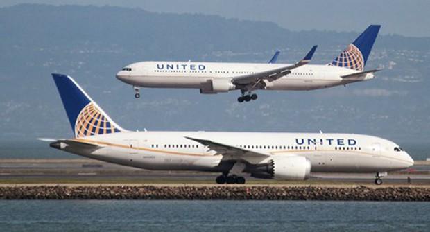 Máy bay Mỹ phải hạ cánh khẩn cấp do phát hiện mùi lạ gây buồn nôn - Ảnh 1.