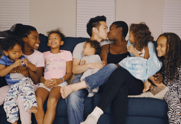 Chuyện tình của cặp đôi chàng người Hàn nàng gốc Phi: Bạn từ thời trung học, đến với nhau khi nàng đã qua 2 lần đò và có tận 4 đứa con - Ảnh 3.