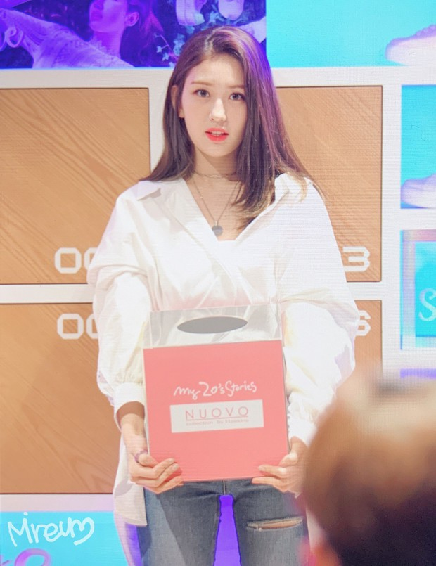 Rời JYP về YG, nữ thần lai sinh năm 2001 Jeon Somi lên đời nhan sắc: Ảnh chưa chỉnh sửa mà đẹp như Final Fantasy - Ảnh 1.