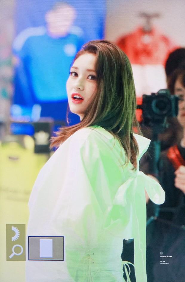 Rời JYP về YG, nữ thần lai sinh năm 2001 Jeon Somi lên đời nhan sắc: Ảnh chưa chỉnh sửa mà đẹp như Final Fantasy - Ảnh 4.
