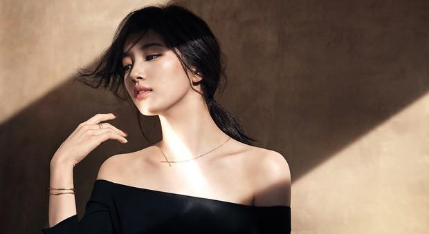 10 nữ idol Kpop sở hữu bờ vai cực phẩm: Bộ 3 nữ thần nhà YG, SM, TWICE đối đầu, nhưng số 9 mới bất ngờ - Ảnh 5.