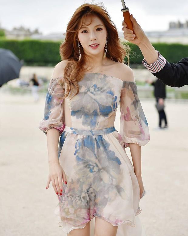 10 nữ idol Kpop sở hữu bờ vai cực phẩm: Bộ 3 nữ thần nhà YG, SM, TWICE đối đầu, nhưng số 9 mới bất ngờ - Ảnh 13.