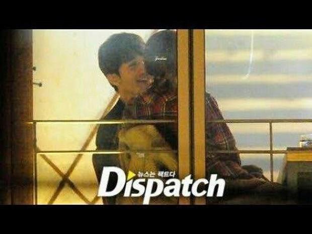 Náo loạn loạt tin tức Kbiz siêu nóng: Lee Dong Wook - Song Ji Hyo hẹn hò, lộ ảnh G-Dragon gặp Sơn Tùng trong quân ngũ - Ảnh 2.