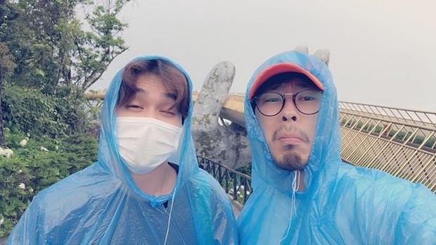 Tiểu So Ji Sub Yoo Seung Ho khoe ảnh vi vu Đà Nẵng lên Instagram, thích thú trải nghiệm đi xích lô và thuyền - Ảnh 3.