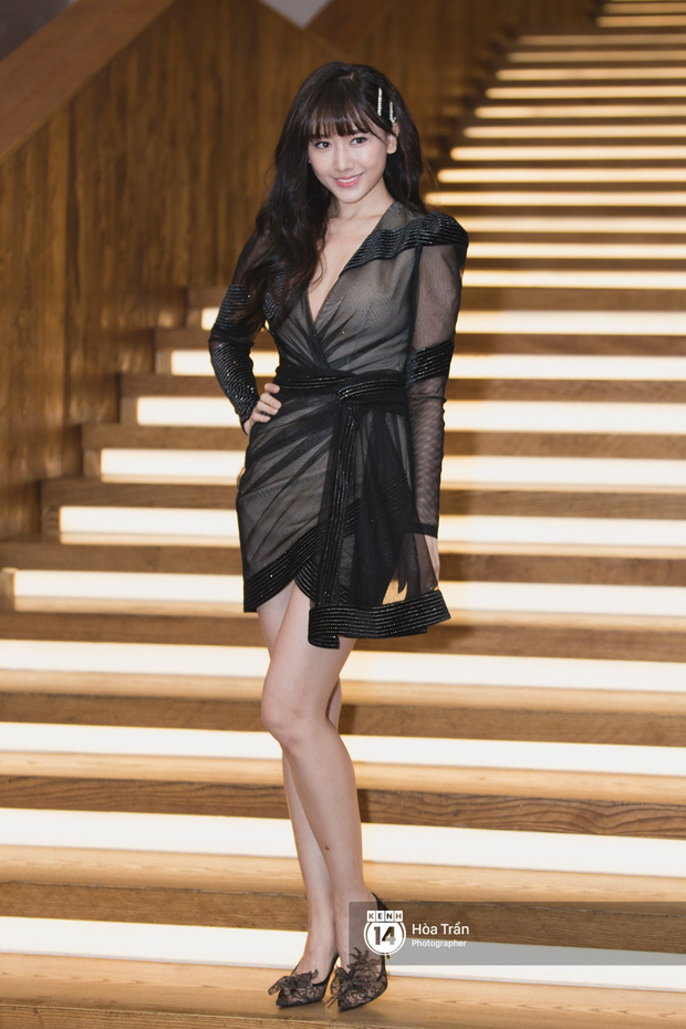 Giữa một dàn mỹ nhân giật giũ như Hari và Jun Vũ, Hoa hậu Đặng Thu Thảo giản dị mà vẫn trội bật - Ảnh 12.