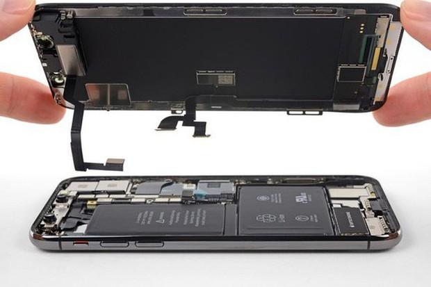 Việc tự sửa chữa iPhone mà không cần tới Apple đang trở nên dễ dàng hơn - Ảnh 1.