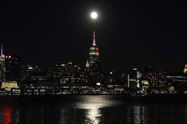 Những bức ảnh thú vị về Mặt trăng ở hình dáng và kích thước khác nhau - Ảnh 5.