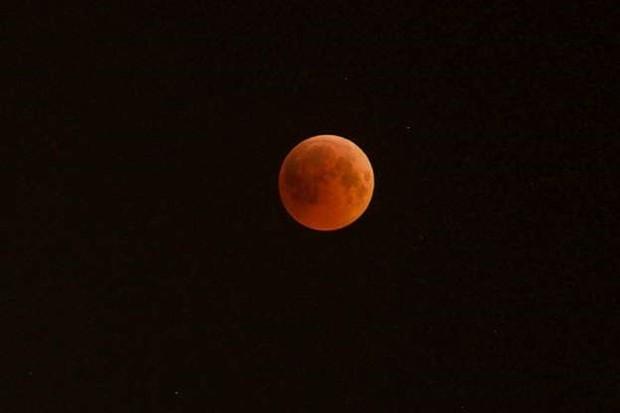 Những bức ảnh thú vị về Mặt trăng ở hình dáng và kích thước khác nhau - Ảnh 8.