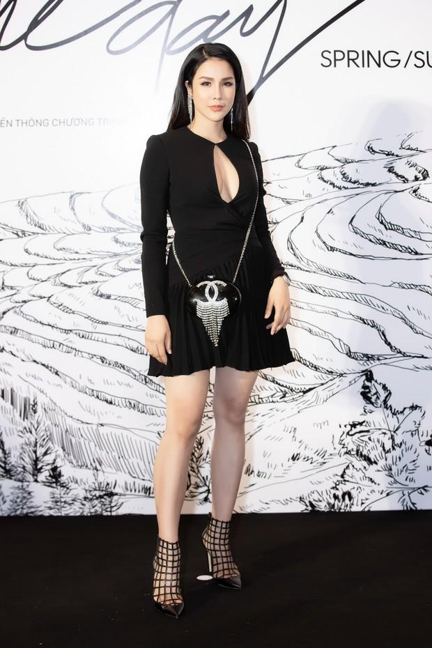 Giữa một dàn mỹ nhân giật giũ như Hari và Jun Vũ, Hoa hậu Đặng Thu Thảo giản dị mà vẫn trội bật - Ảnh 19.