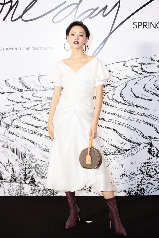 Giữa một dàn mỹ nhân giật giũ như Hari và Jun Vũ, Hoa hậu Đặng Thu Thảo giản dị mà vẫn trội bật - Ảnh 27.