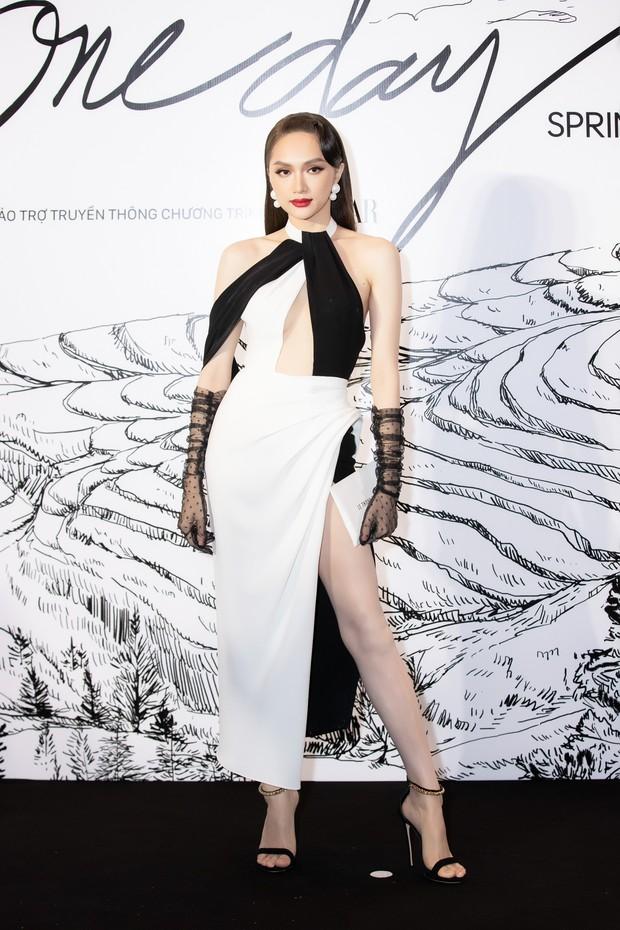 Giữa một dàn mỹ nhân giật giũ như Hari và Jun Vũ, Hoa hậu Đặng Thu Thảo giản dị mà vẫn trội bật - Ảnh 21.