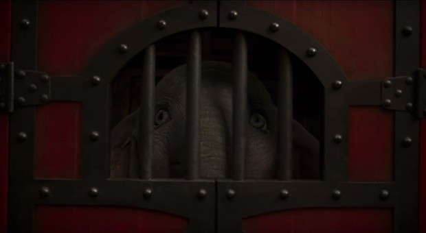 Ứa nước mắt khi TV spot chú voi biết bay Dumbo tái hiện ca khúc kinh điển ở phiên bản 1941 - Ảnh 2.