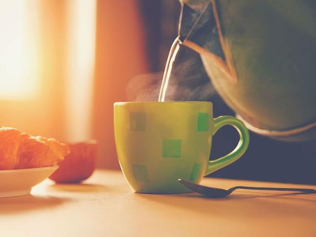 Sáng ngủ dậy nên làm ngay 5 việc này để cơ thể khỏe đẹp từ trong ra ngoài - Ảnh 1.