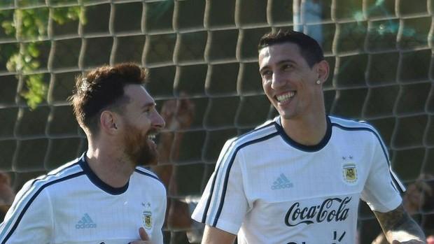 Siêu phẩm sút xa của Duy Mạnh được ngôi sao tuyển Argentina thả tim - Ảnh 3.