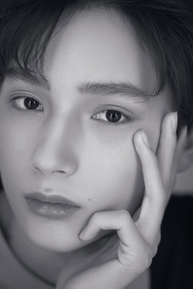 Nhóm nhạc em trai ngậm thìa vàng của BTS: Đẹp trai lạ, thành viên lai quá nổi nhưng ảnh quá khứ mới gây bất ngờ - Ảnh 16.