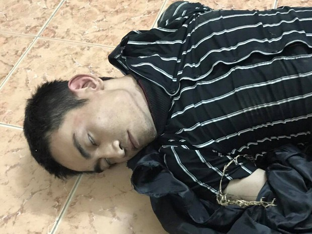 Nổ súng bắt nam thanh niên giả kẻ ngáo đá đi cướp trên xa lộ Hà Nội - Ảnh 1.