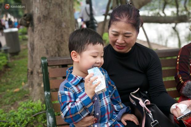 Clip bố mẹ Việt phản ứng khi tận mắt thấy quái vật Momo: Tôi sẽ kiểm soát những gì con xem từ bây giờ! - Ảnh 4.