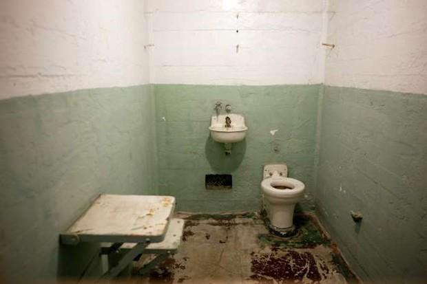 Ảnh: Rợn người những nhà tù bị bỏ hoang như trong phim kinh dị - Ảnh 2.