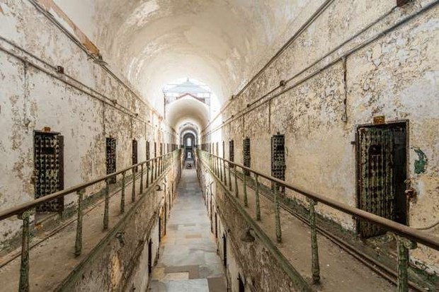 Ảnh: Rợn người những nhà tù bị bỏ hoang như trong phim kinh dị - Ảnh 7.