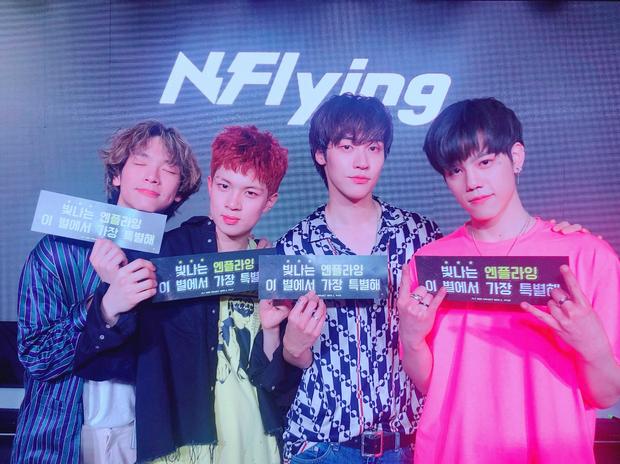 Nhóm nhạc mới nổi lần đầu ôm cúp sau 5 năm debut, nhưng fan lại tức giận vì công ty có ý định giống nhà YG - Ảnh 3.
